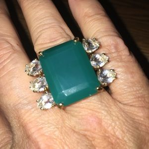 Jewelry - Cocktail Ring w/ Large Green Stone & 6 Crystals 9